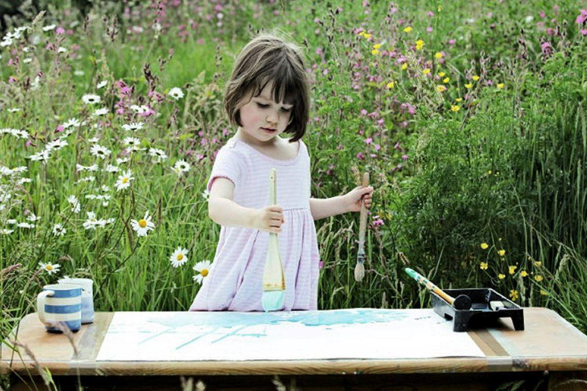 bambina-che-dipinge