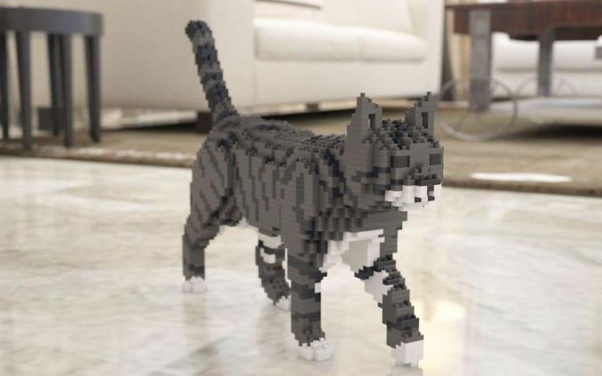 gatto-in-lego-bianco-e-grigio