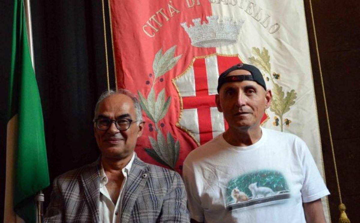 due-uomini-sotto-bandiera