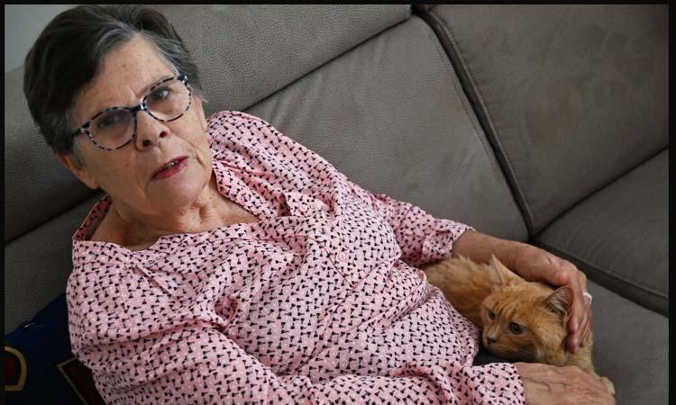 Gatto con la proprietaria