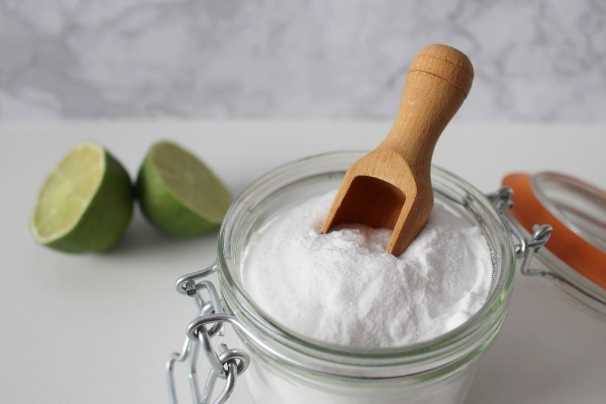 bicarbonato di sodio in barattolo