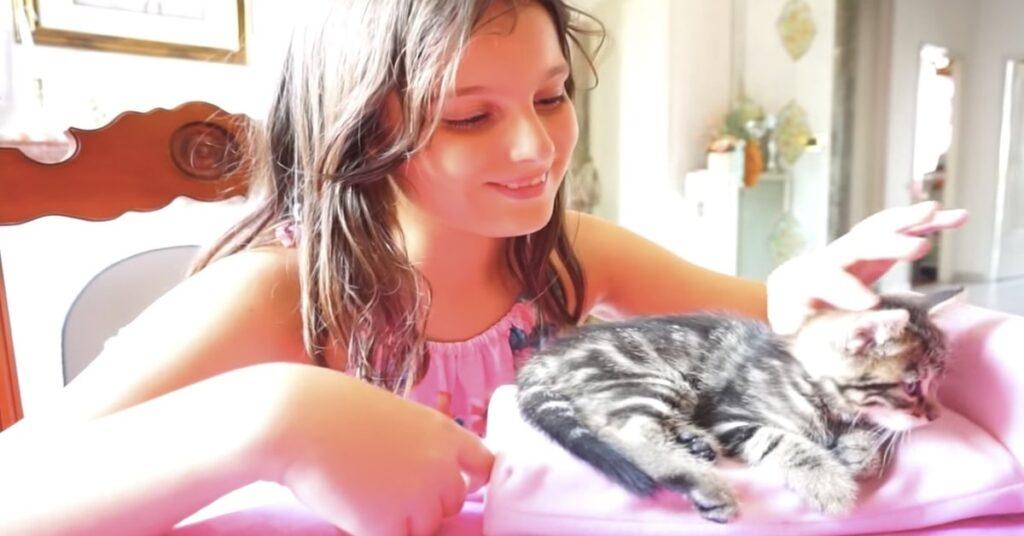 Valentina e la sua gattina Amy