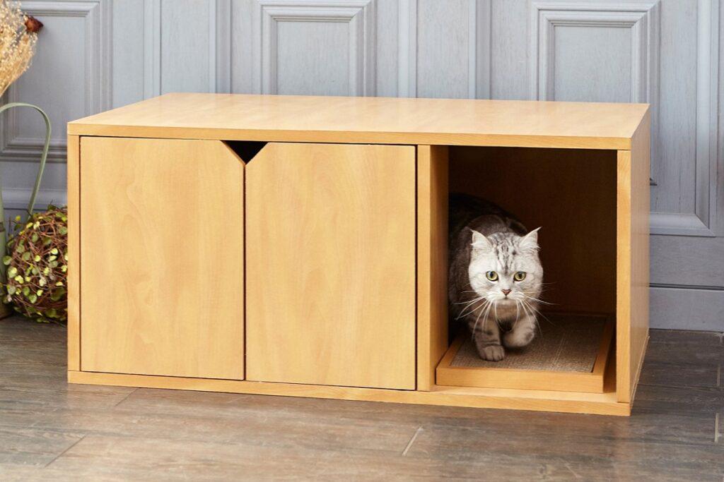 mobile con lettiera per gatto