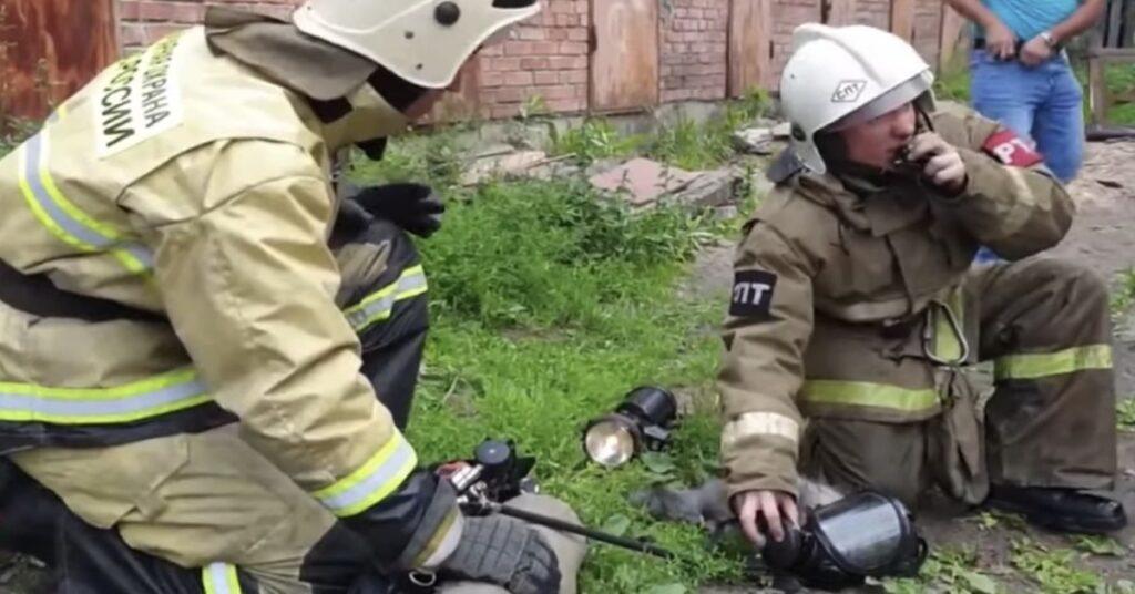 pompieri salvano gatto in Russia