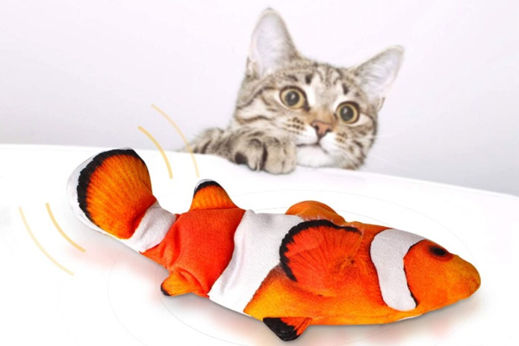 giocattolo per gatti a forma di pesce