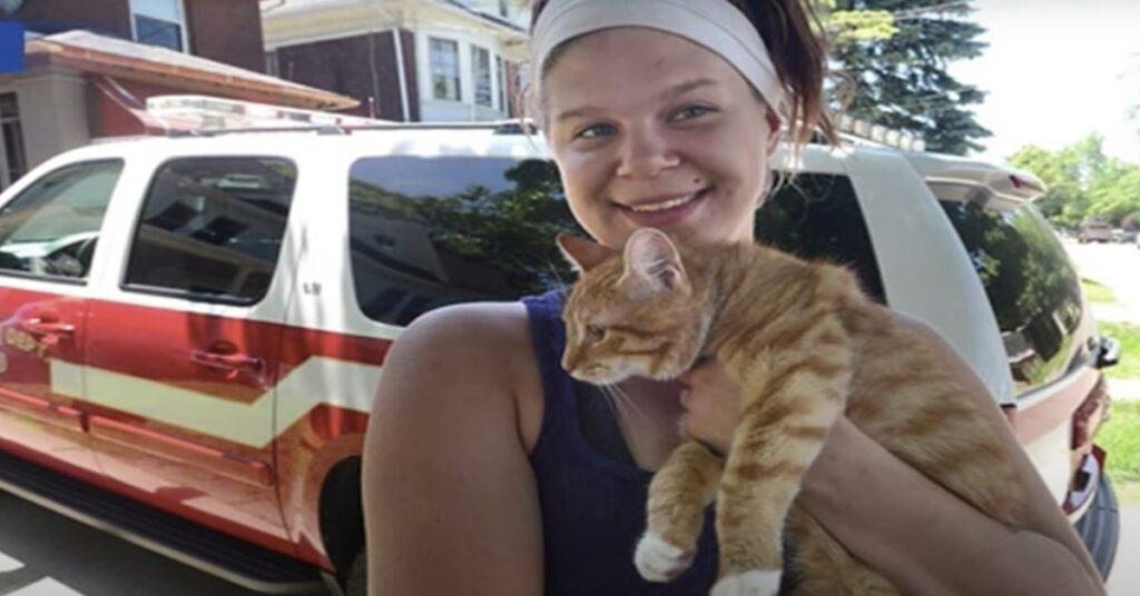 Tara e il gatto salvato