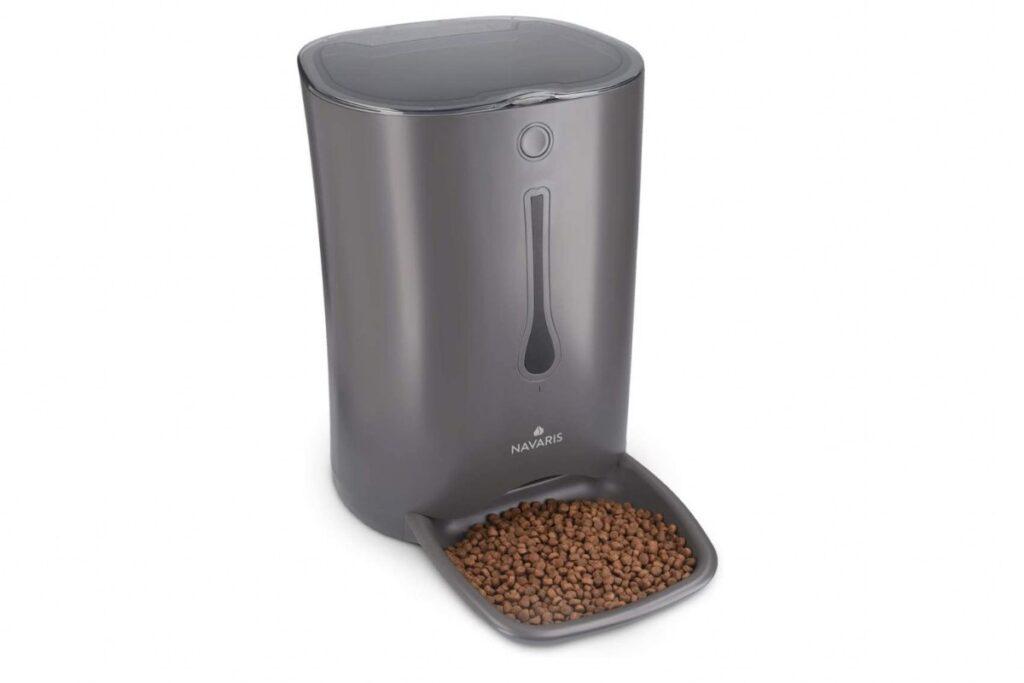 dispenser automatico di cibo per gatti