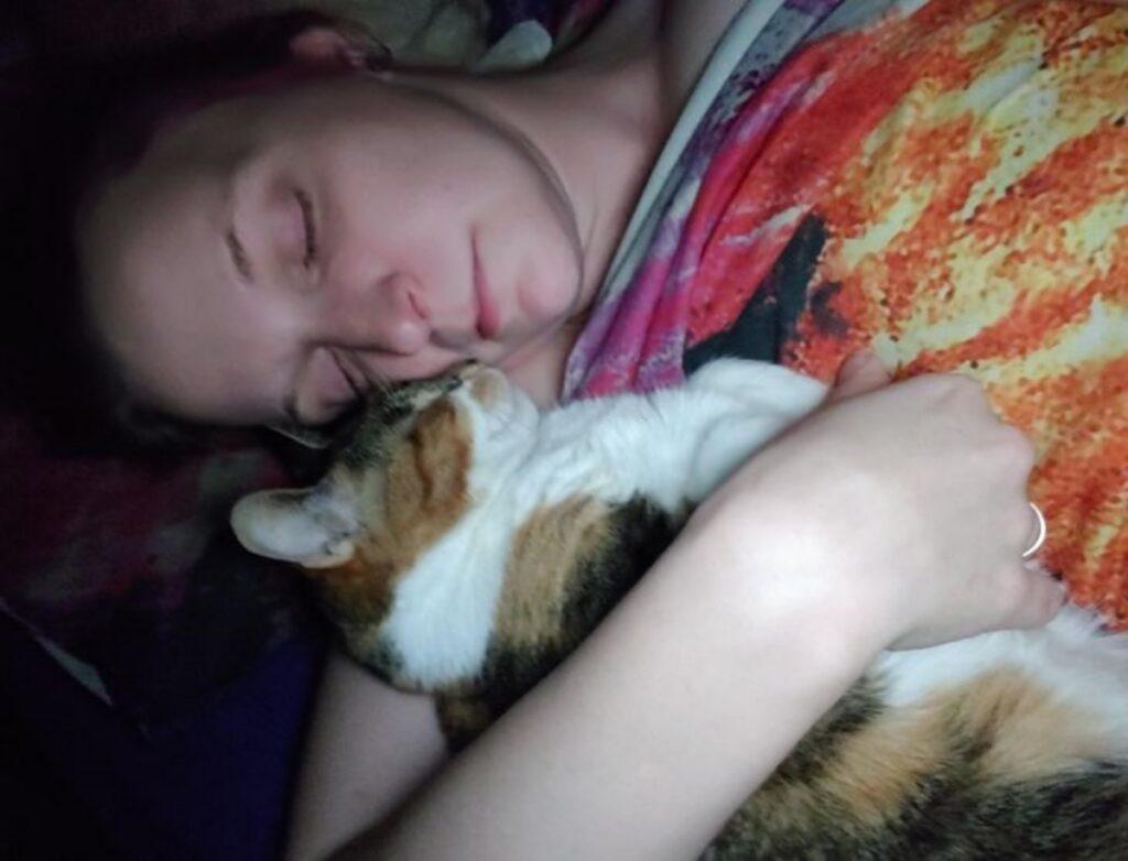 micio padrone sonno