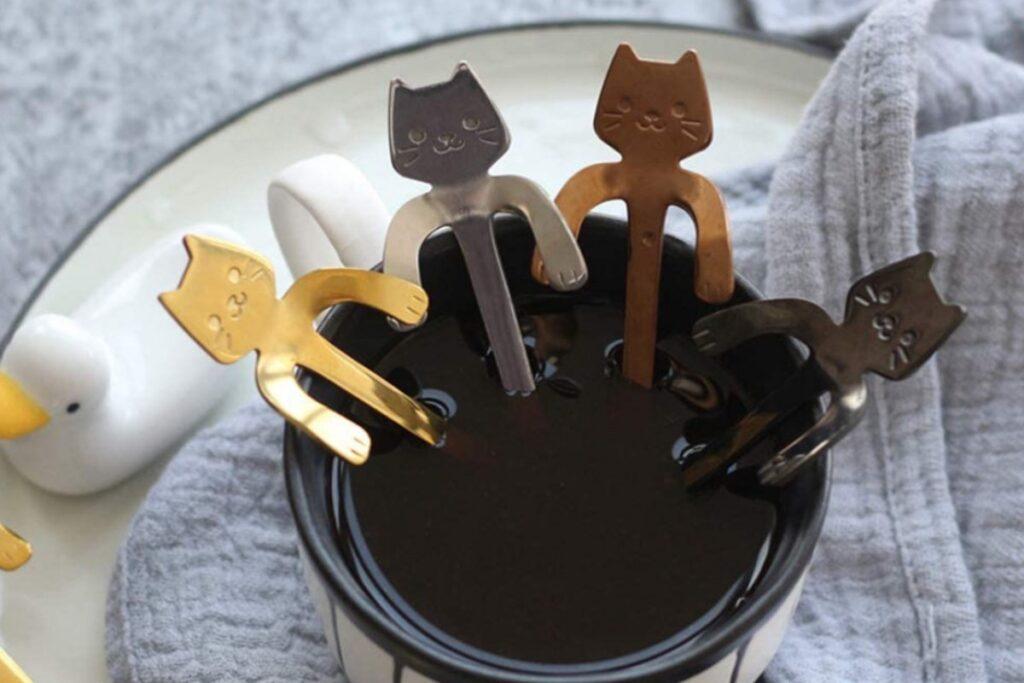 cucchiaini a forma di gatto